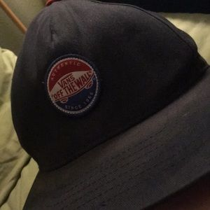 """Vans """"Off the Wall"""" hat"""
